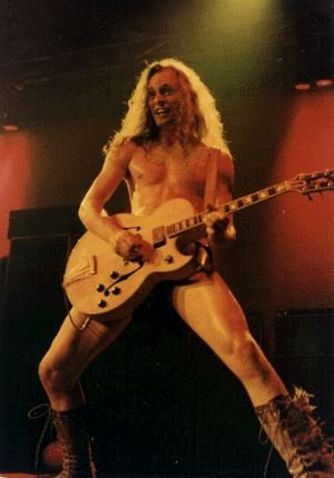 http://www.dinosaurrockguitar.com/new/sites/default/files/images/bios/nugent3.jpg